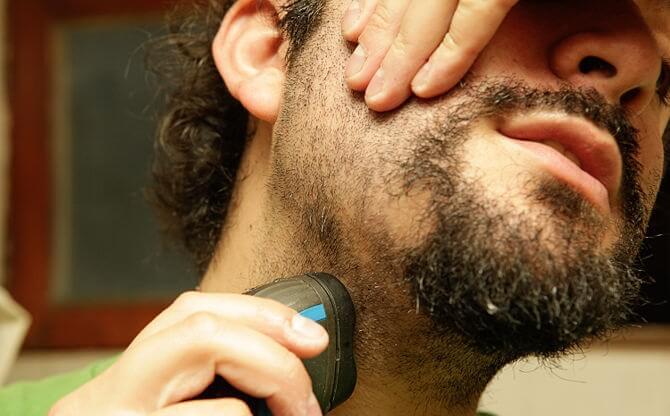 ¿Es Necesario Estirar La Cara Cuando Te Afeitas?